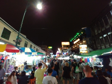Khao San nocą.