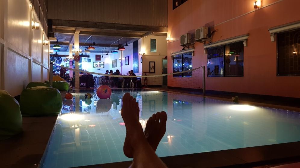 hostelowy basen